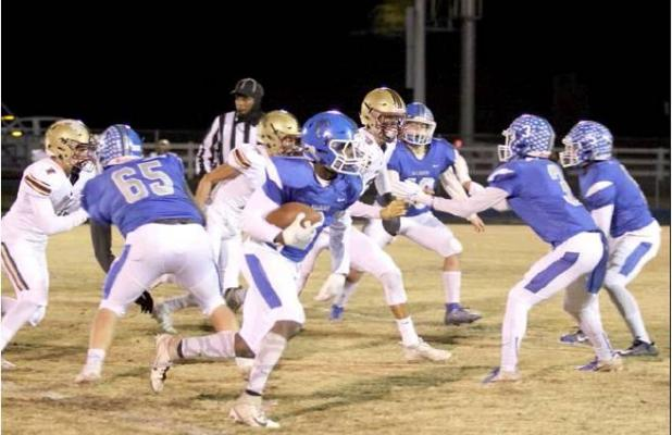 Lincoln Christian rolls to District Championship